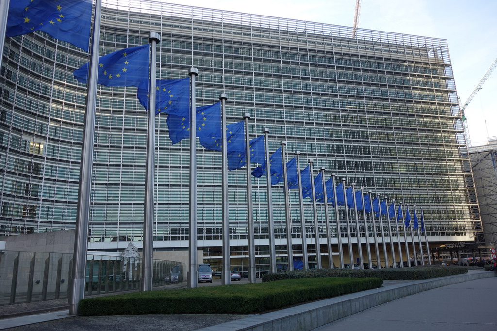 La Commission européenne a publié le 8 mars 2018 son plan d'action pour favoriser l'émergence d'une finance durable